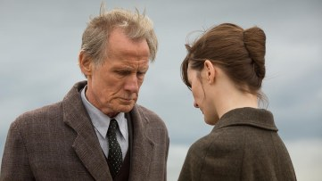 Bill Nighy y Emily Mortimer